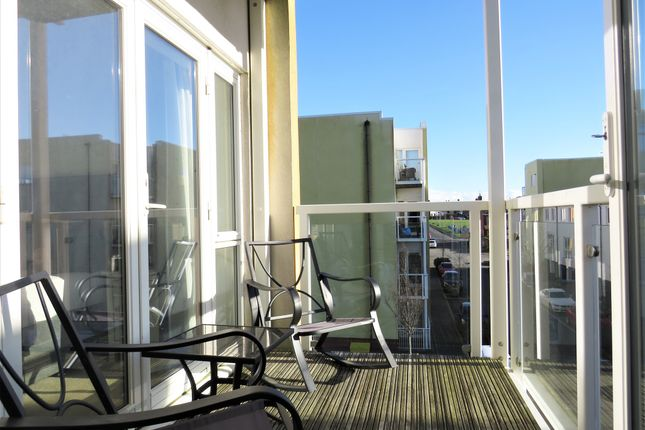 2 bed flat for sale in Pearse Close, Penarth CF64