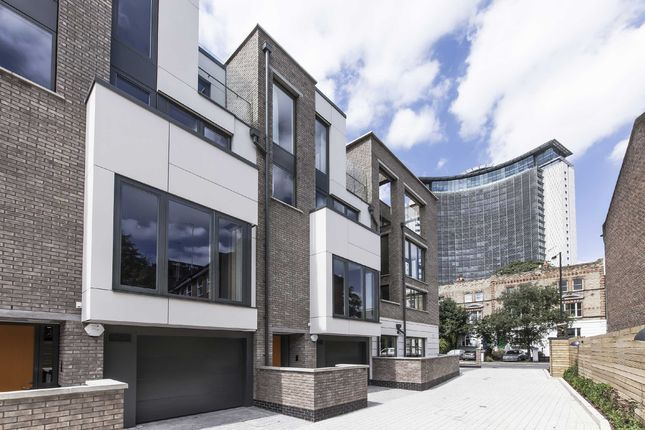 Thumbnail Property to rent in Peel Place, London