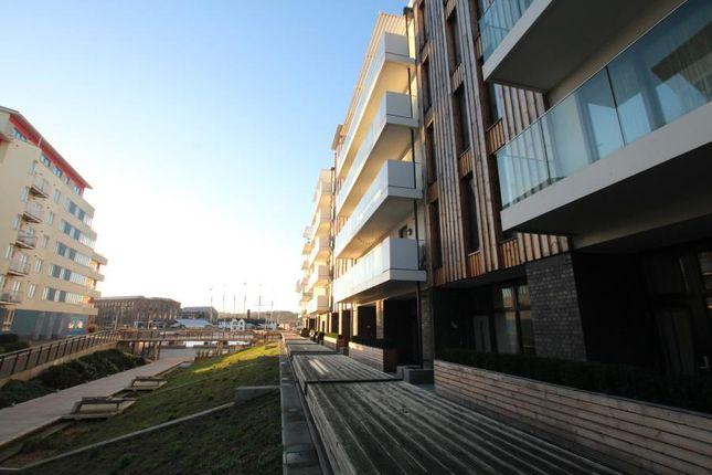 Thumbnail Flat to rent in Millennium Promenade, Bristol