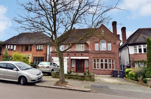 Thumbnail Detached house for sale in Haslemere Gardens, Finchley, London