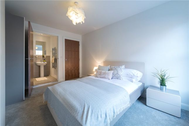 Thumbnail Flat to rent in Cq The Gardens, 2 St Johns Road, Leeds