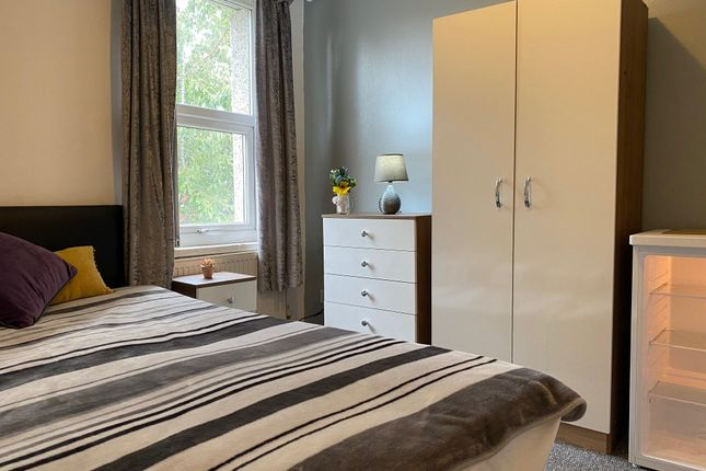 Room to rent in Hartington Road, Rotherham S61
