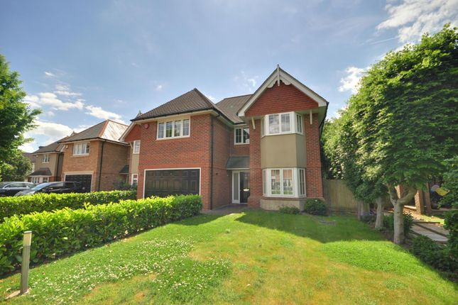 5 bed property to rent in Cassander Place, Holly Lodge, Pinner HA5