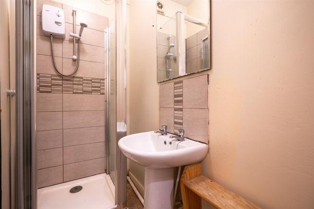 Bathroom_ of 14 Burns Road, Crookesmoor, Sheffield S6