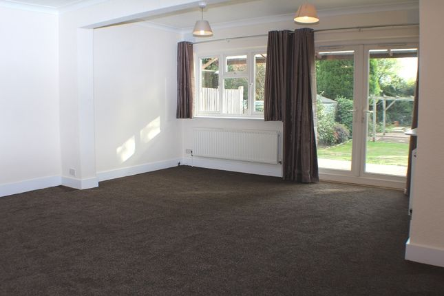 Thumbnail Bungalow to rent in The Chase, Hillingdon
