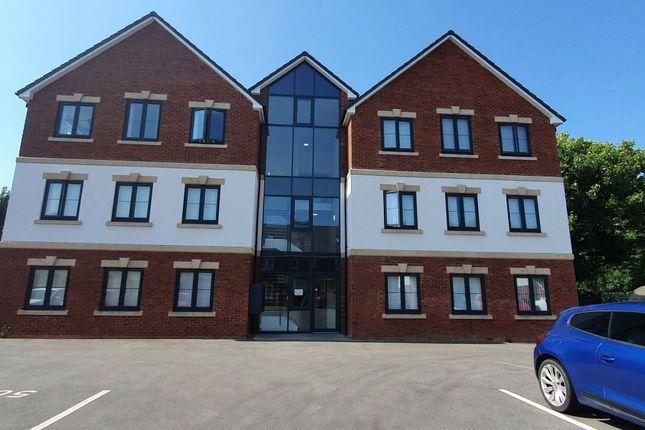 2 bed flat to rent in Ikon Avenue, Wolverhampton WV6