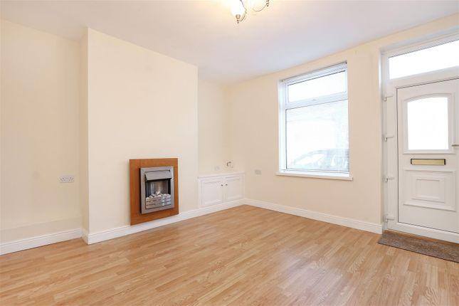 Living Room2 of Hipper Street West, Brampton, Chesterfield S40