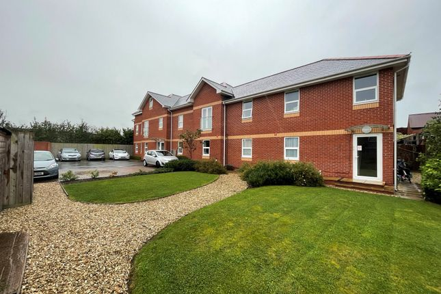 Thumbnail Flat to rent in Manor Road, Exeter