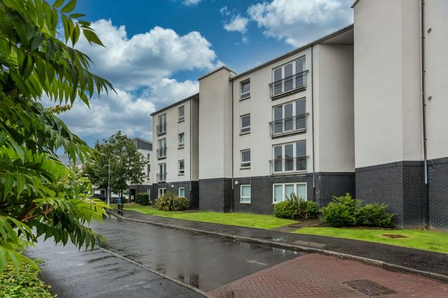 Thumbnail Flat for sale in Redshank Avenue, Braehead, Renfrew