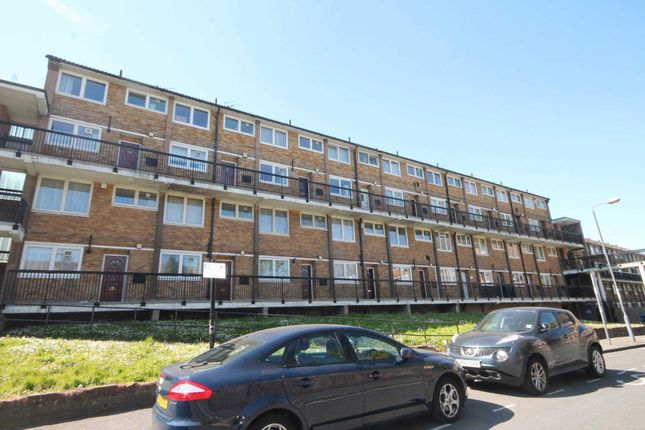 Thumbnail Flat to rent in Knee Hill Crescent, London