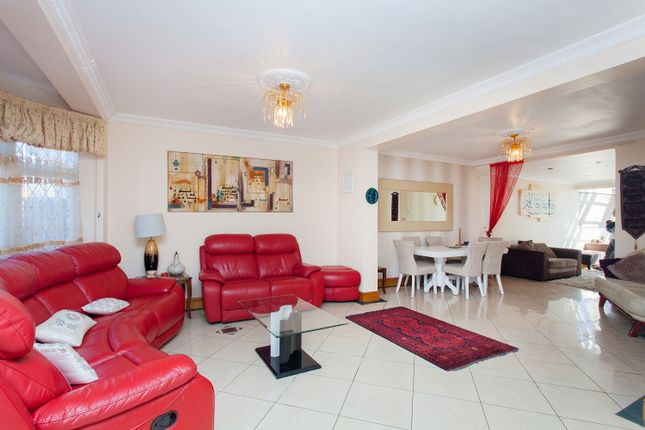 Thumbnail Semi-detached house for sale in Chestnut Grove, Wembley