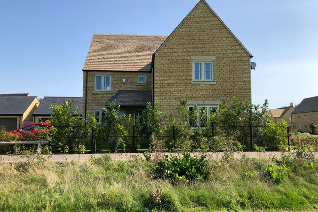 Thumbnail Detached house for sale in Morecombe Way, Fairford