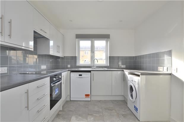 Thumbnail Semi-detached house to rent in Ploughly Close, Kidlington