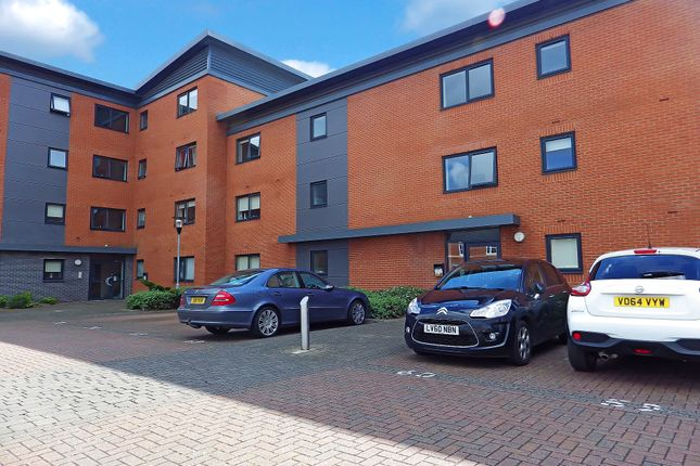 Thumbnail Flat for sale in Marshall Road, Banbury, Oxfordshire