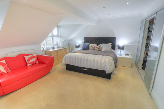 Master Bedroom of Oakfield Close, Bramhall, Stockport SK7