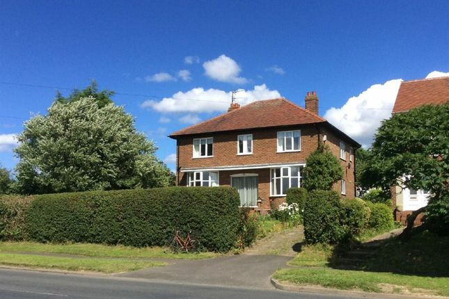 Thumbnail Detached house for sale in Scarborough Road, Bridlington, E Yorkshire