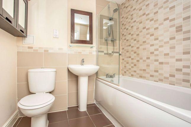 Bathroom of Periwood Crescent, Perivale, Greenford UB6