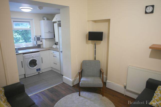 Thumbnail Maisonette to rent in Junction Road, Tufnell Park