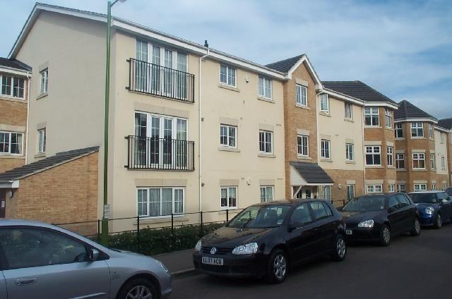 Thumbnail Flat to rent in Coleridge Way, Elstree, Borehamwood
