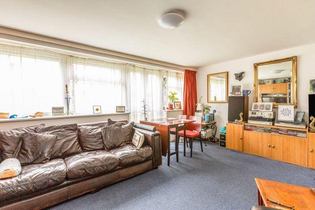 3 bed maisonette for sale in Bounces Road, London N9