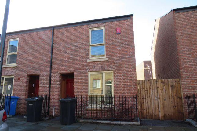 2 bed town house to rent in Park Street, Castleward, Derby DE1