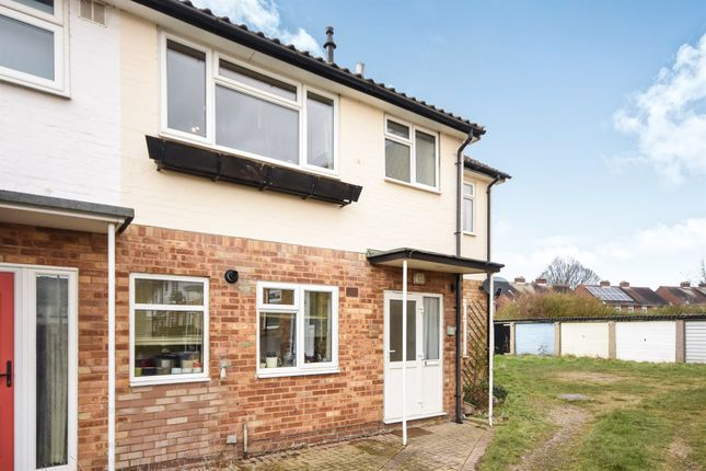 Thumbnail Flat for sale in Tower Avenue, Chelmsford