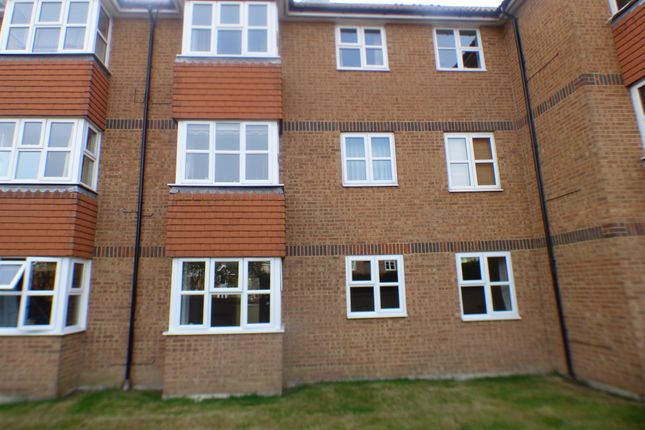 Thumbnail Flat to rent in Hudson Close, Eastbourne, East Sussex