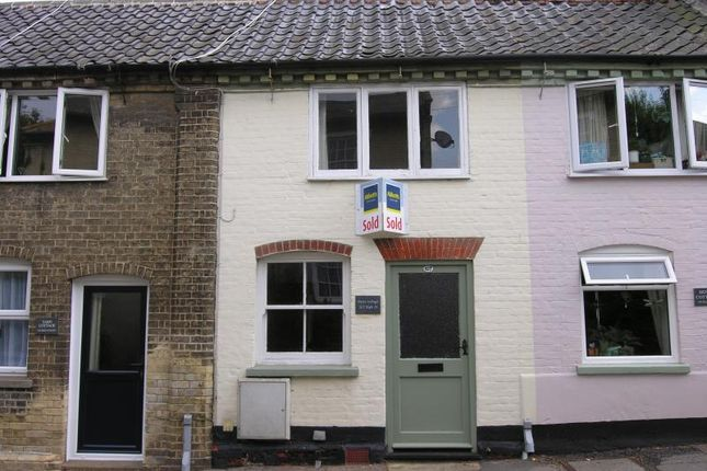 2 bed property to rent in High Street, Wickham Market, Woodbridge