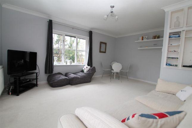 1 bed flat for sale in Highfield Road, West Byfleet