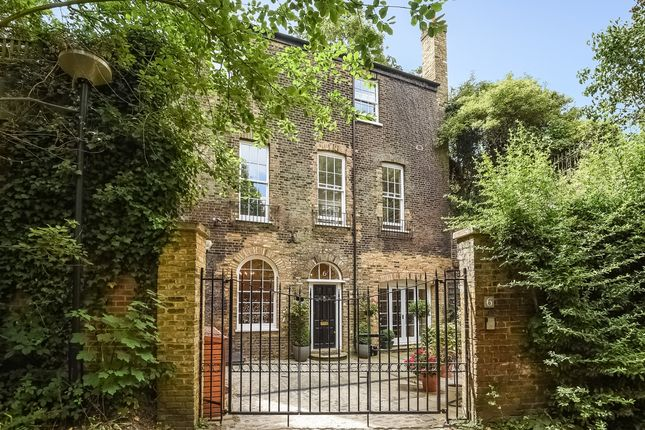 Thumbnail Detached house to rent in Westgrove Lane, London