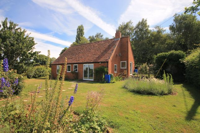 Thumbnail Detached bungalow to rent in Windmill Hill, Great Milton, Oxford