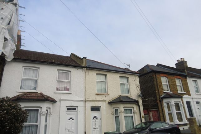 Thumbnail Terraced house to rent in Glenfarg Road, Catford