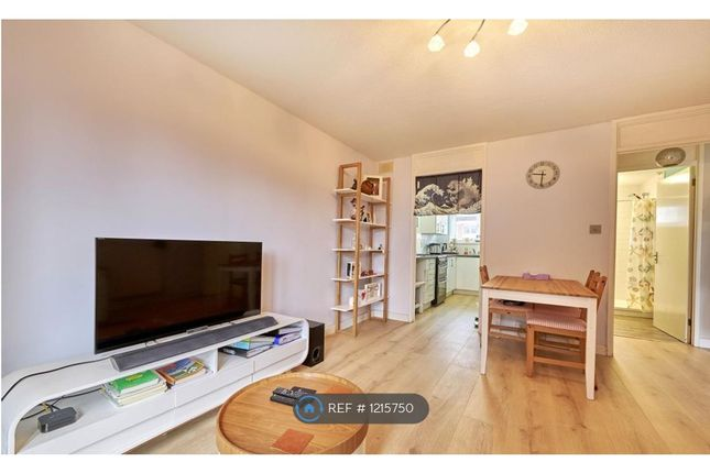 1 bed flat to rent in Pageant Road, St. Albans AL1