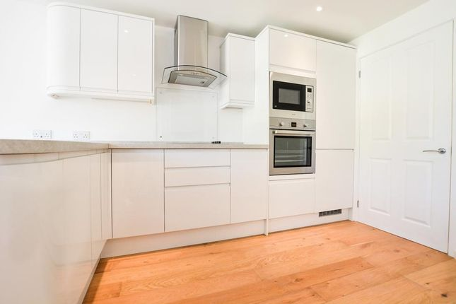 Thumbnail Flat to rent in Acton Lane, London