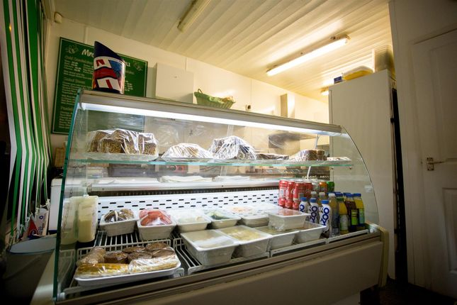 Restaurant/cafe for sale in Cafe & Sandwich Bars HX3, Lightcliffe, West Yorkshire