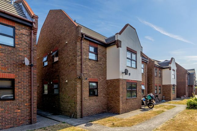Thumbnail Flat for sale in The Ashleighs, Canvey Island, Essex
