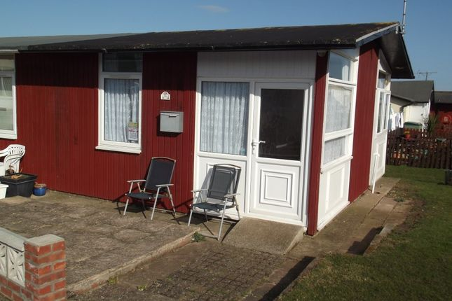 1 bed mobile/park home for sale in Third Avenue, South Shore Holiday Village, Bridlington