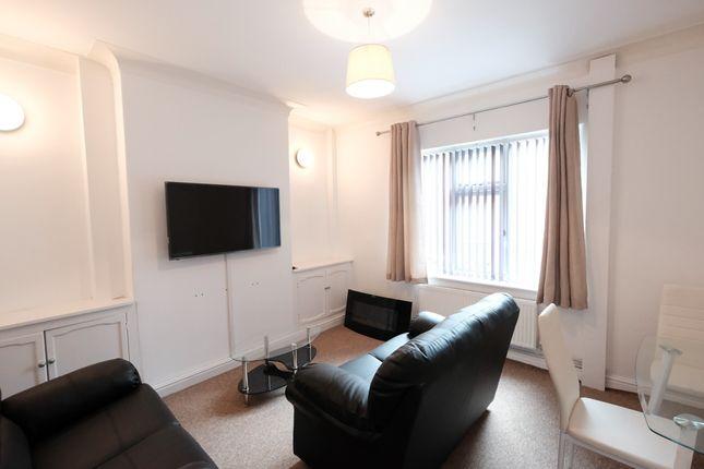 Thumbnail Shared accommodation to rent in Cardigan Street, Ashton-On-Ribble, Preston