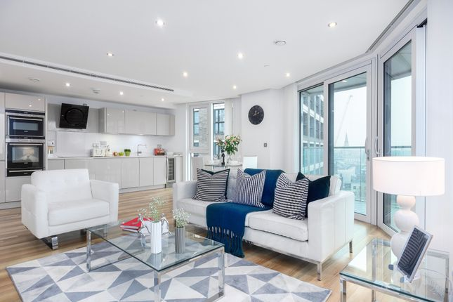 Thumbnail Flat to rent in Allie Street, London