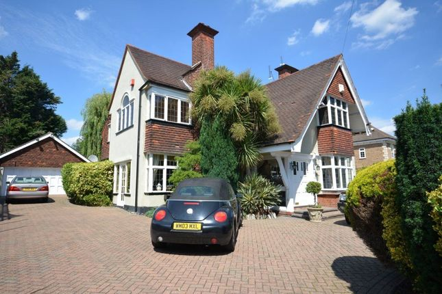 Thumbnail Property to rent in Woodlands Avenue, Hornchurch