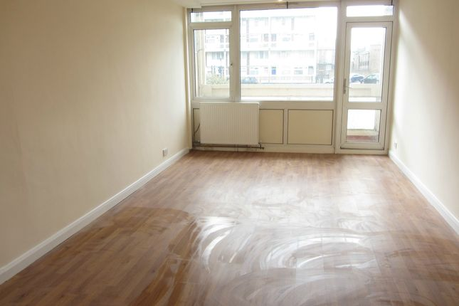 Thumbnail Maisonette to rent in Westhope House, Bethnal Green