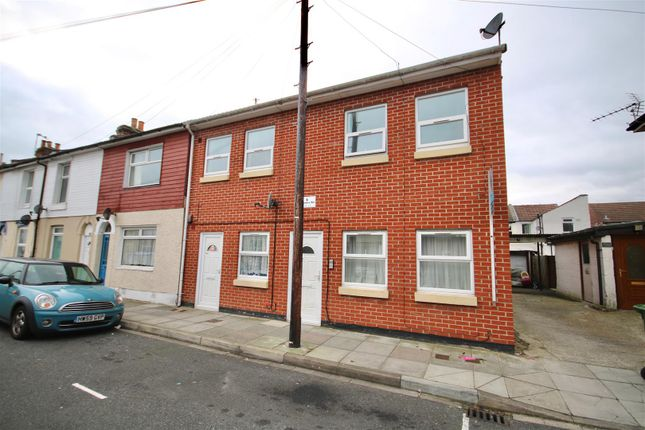 Thumbnail Flat to rent in Adames Road, Portsmouth