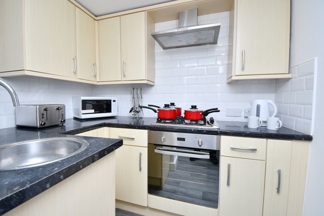 4 bed terraced house to rent in Coal Clough Lane, Burnley BB11