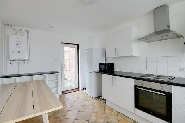 4 bed detached house to rent in Finnis Street, London E2