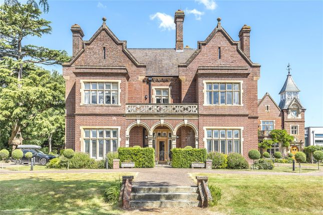 Thumbnail Flat for sale in Durrants House, Gloucester Court, Croxley Green, Rickmansworth