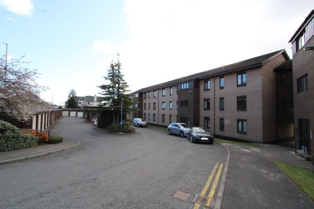 2 bed flat to rent in Dundee Road, Broughty Ferry, Dundee DD5
