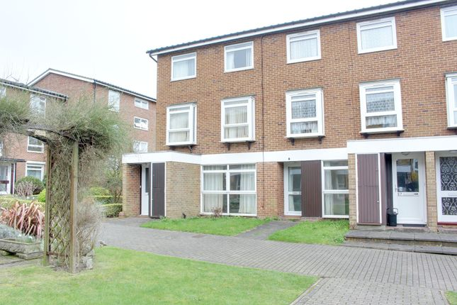 Thumbnail Maisonette to rent in Cotelands, East Croydon