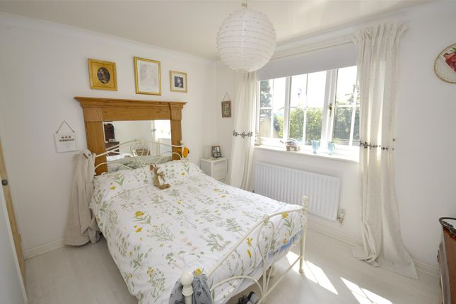 Property Image 3 of The Hawthorns, Bussage, Gloucestershire GL6
