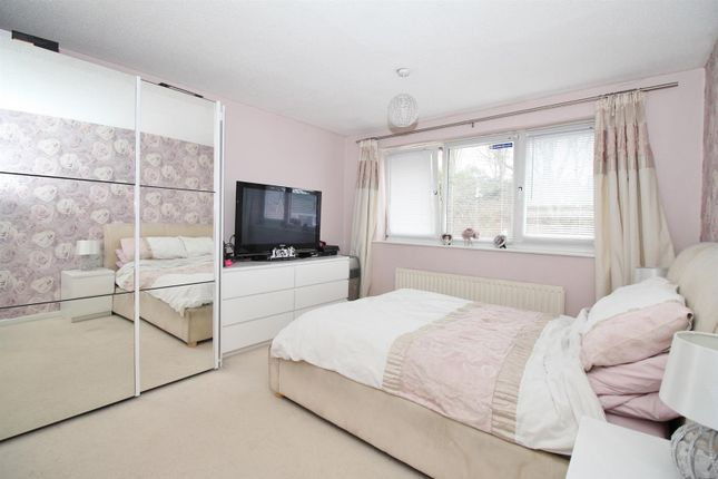 Bedroom of Silver Spring Close, Erith DA8