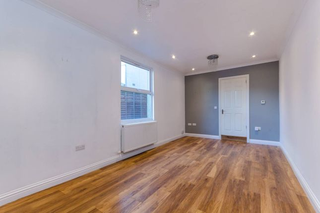 Flat for sale in Hartley Road, Croydon